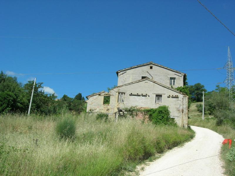 Soluzione Indipendente in vendita a Sant'Angelo in Pontano, 1 locali, prezzo € 75.000 | CambioCasa.it