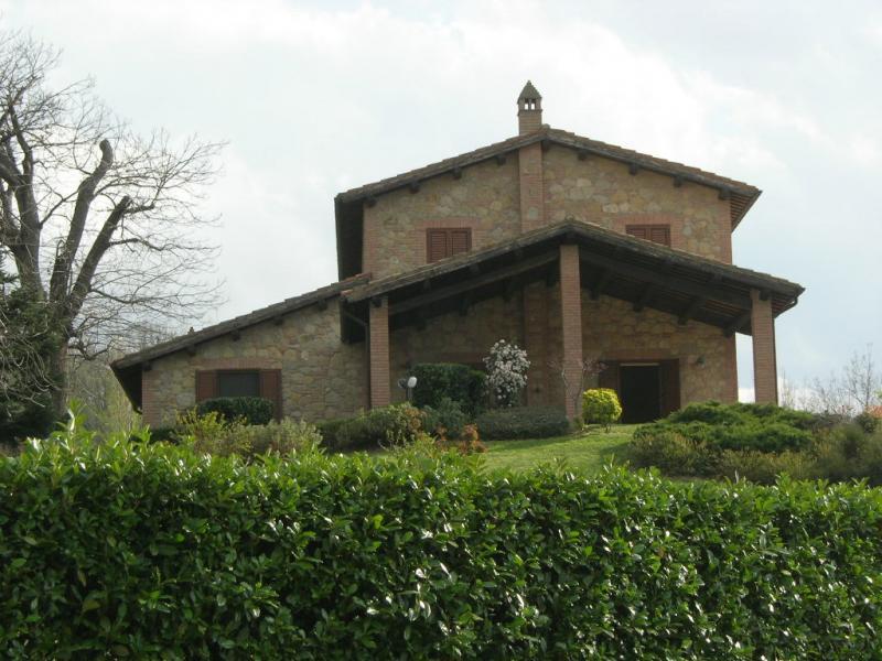 Soluzione Indipendente in vendita a Amandola, 8 locali, prezzo € 900.000 | CambioCasa.it