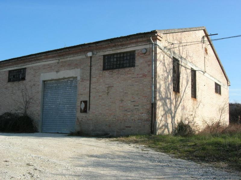 Soluzione Indipendente in vendita a Monte San Martino, 2 locali, Trattative riservate | CambioCasa.it