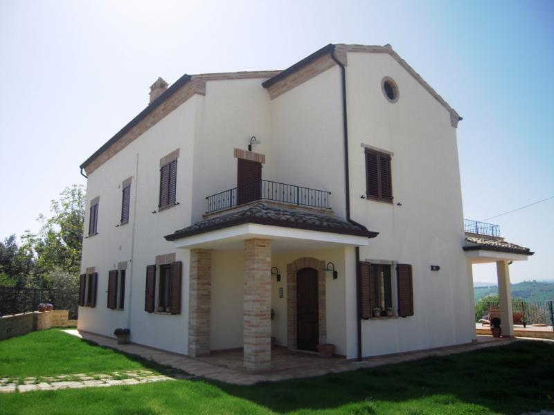 Appartamento in affitto a Monteleone di Fermo, 4 locali, prezzo € 550 | CambioCasa.it