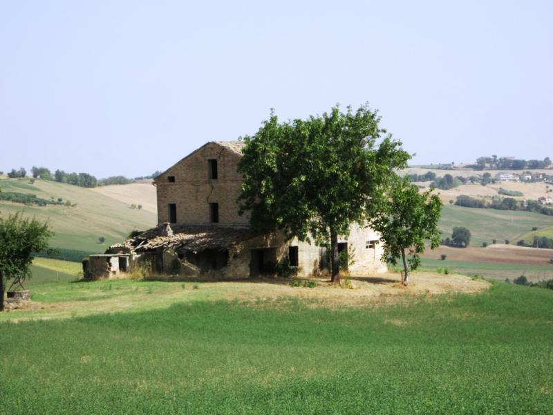 Soluzione Indipendente in vendita a Montegiorgio, 8 locali, zona Zona: Alteta, prezzo € 210.000 | CambioCasa.it