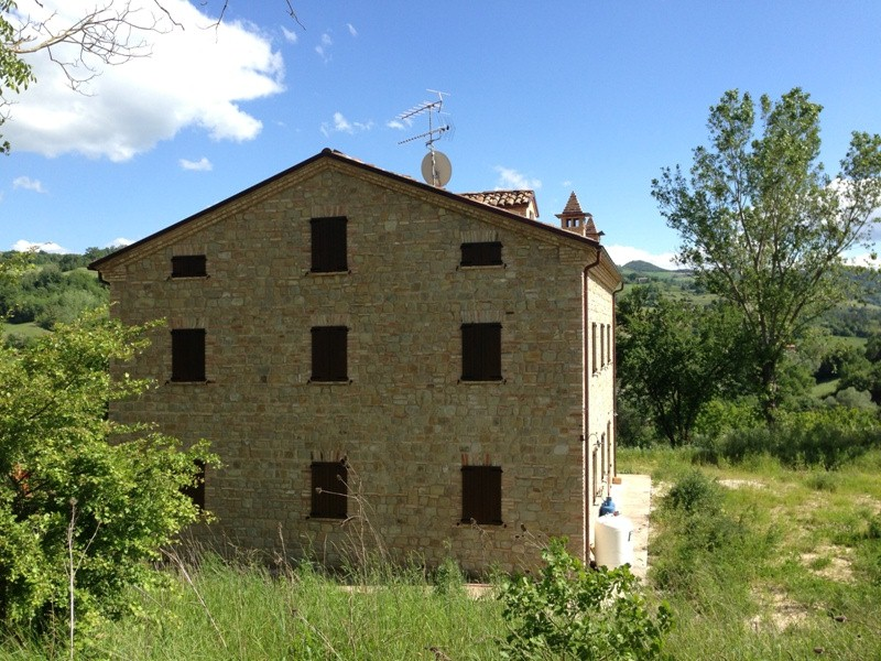 Soluzione Indipendente in vendita a Amandola, 12 locali, prezzo € 600.000 | CambioCasa.it