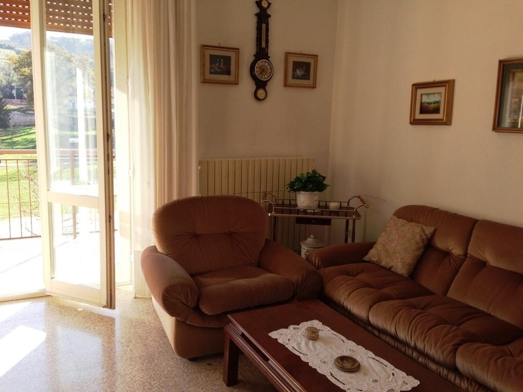 Appartamento in vendita a Servigliano, 6 locali, prezzo € 58.000 | CambioCasa.it