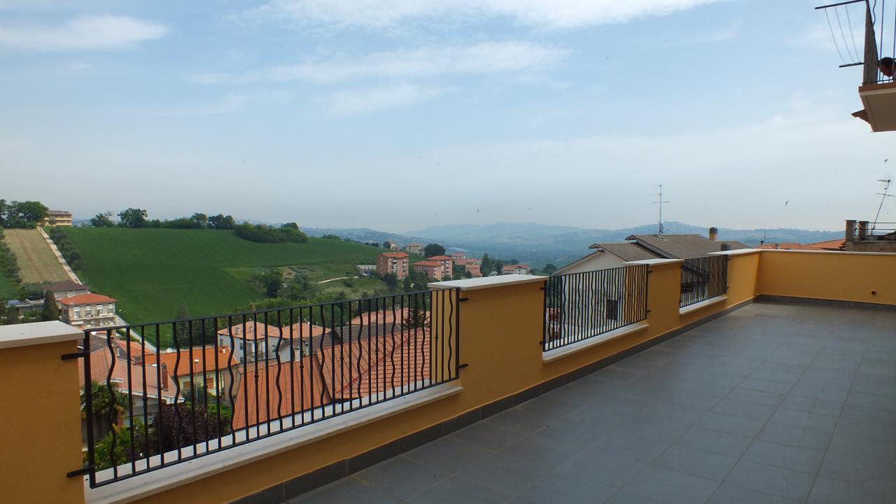 Appartamento in vendita a Torre San Patrizio, 5 locali, prezzo € 80.000 | CambioCasa.it
