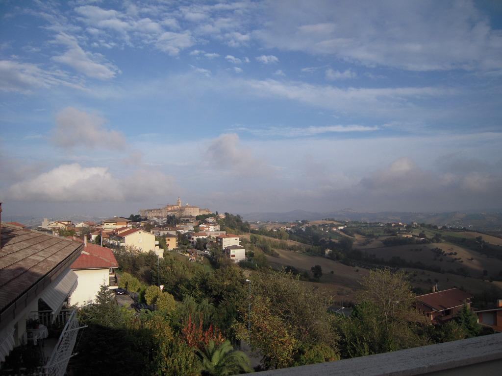 Appartamento in vendita a Rapagnano, 5 locali, prezzo € 90.000 | CambioCasa.it