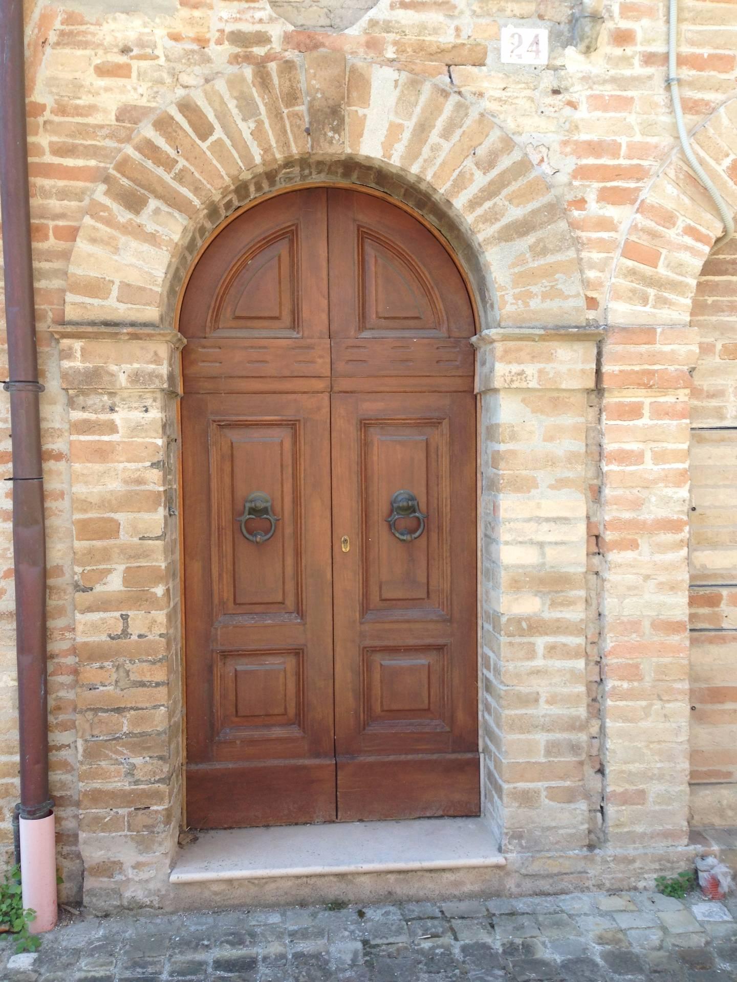 Appartamento in vendita a Servigliano, 6 locali, zona Località: centrostorico-muraquadrilatero, prezzo € 200.000 | CambioCasa.it