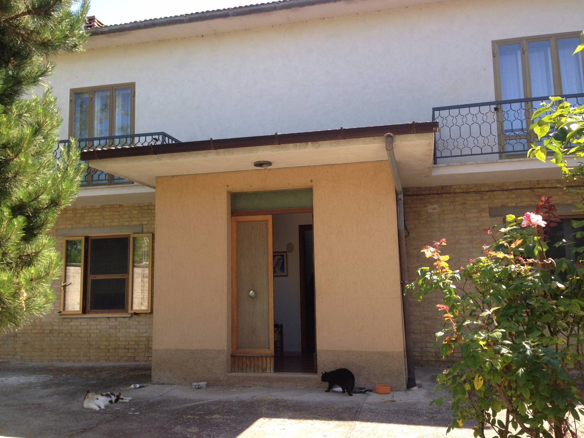 Soluzione Indipendente in vendita a Falerone, 5 locali, prezzo € 80.000 | CambioCasa.it