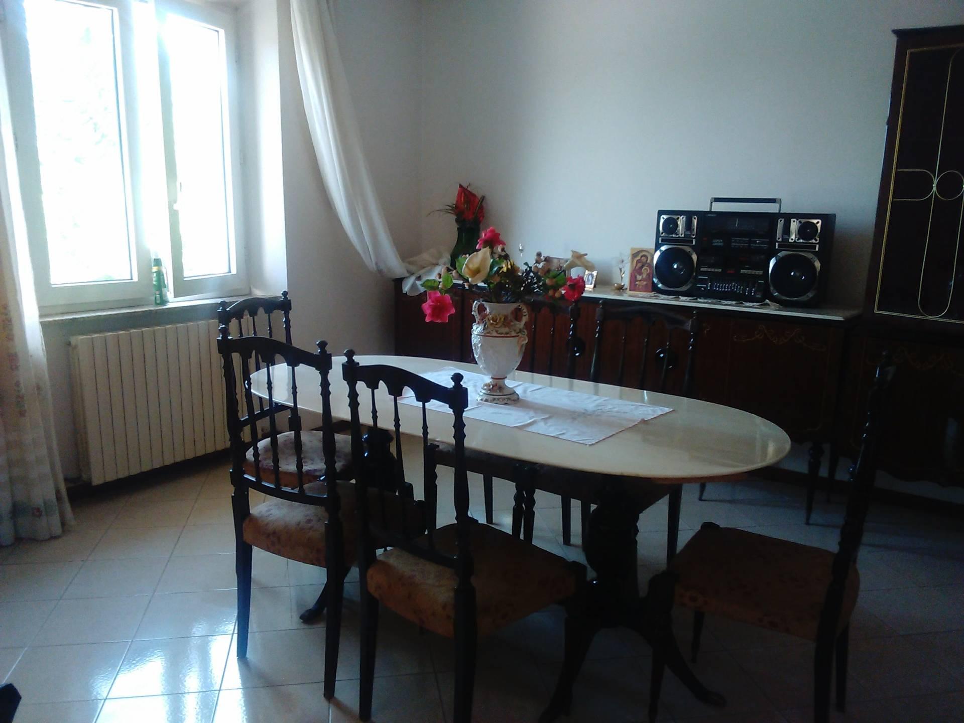 Appartamento in affitto a Santa Vittoria in Matenano, 6 locali, prezzo € 350 | CambioCasa.it