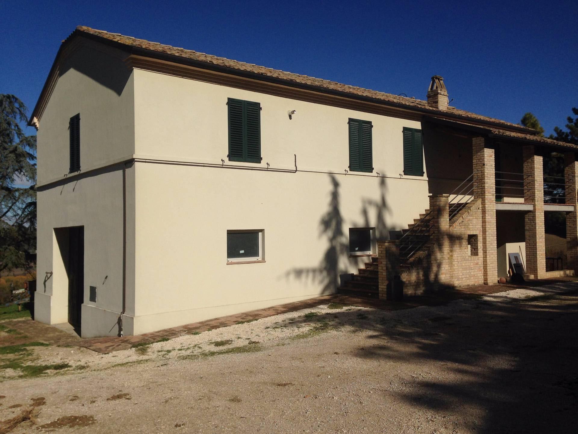 Appartamento in affitto a Servigliano, 6 locali, prezzo € 500 | CambioCasa.it
