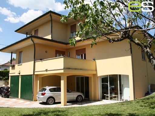 Villa in vendita a Inverigo, 1 locali, prezzo € 525.000 | CambioCasa.it