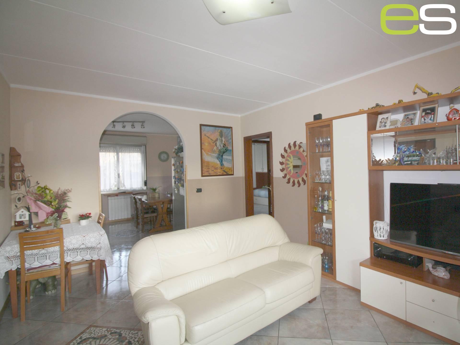 Appartamento in vendita a Barzago, 1 locali, prezzo € 129.000 | CambioCasa.it