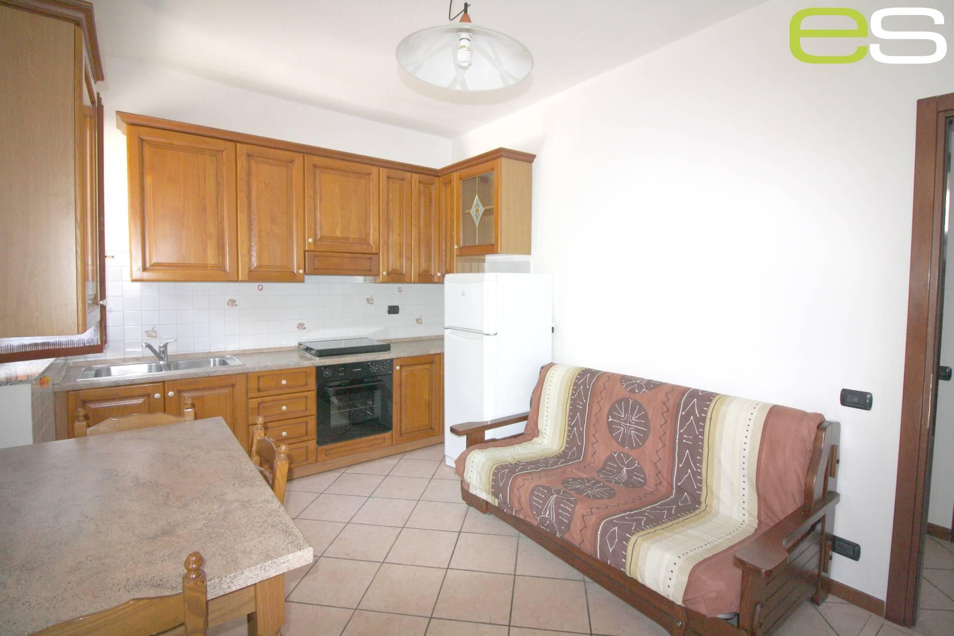 Appartamento in vendita a Cassago Brianza, 2 locali, prezzo € 59.000   CambioCasa.it