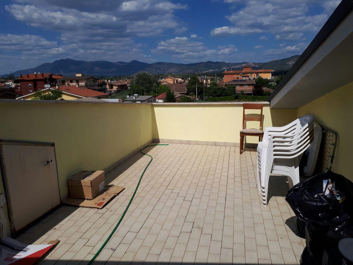 Attico / Mansarda in affitto a Roma, 3 locali, zona Località: Lunghezza, prezzo € 550   CambioCasa.it