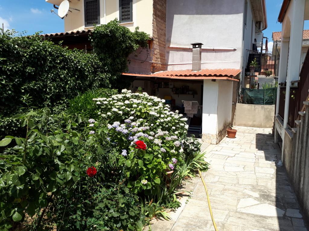 Villa in vendita a Tivoli, 7 locali, zona Località: BagnidiTivoli, prezzo € 335.000 | CambioCasa.it