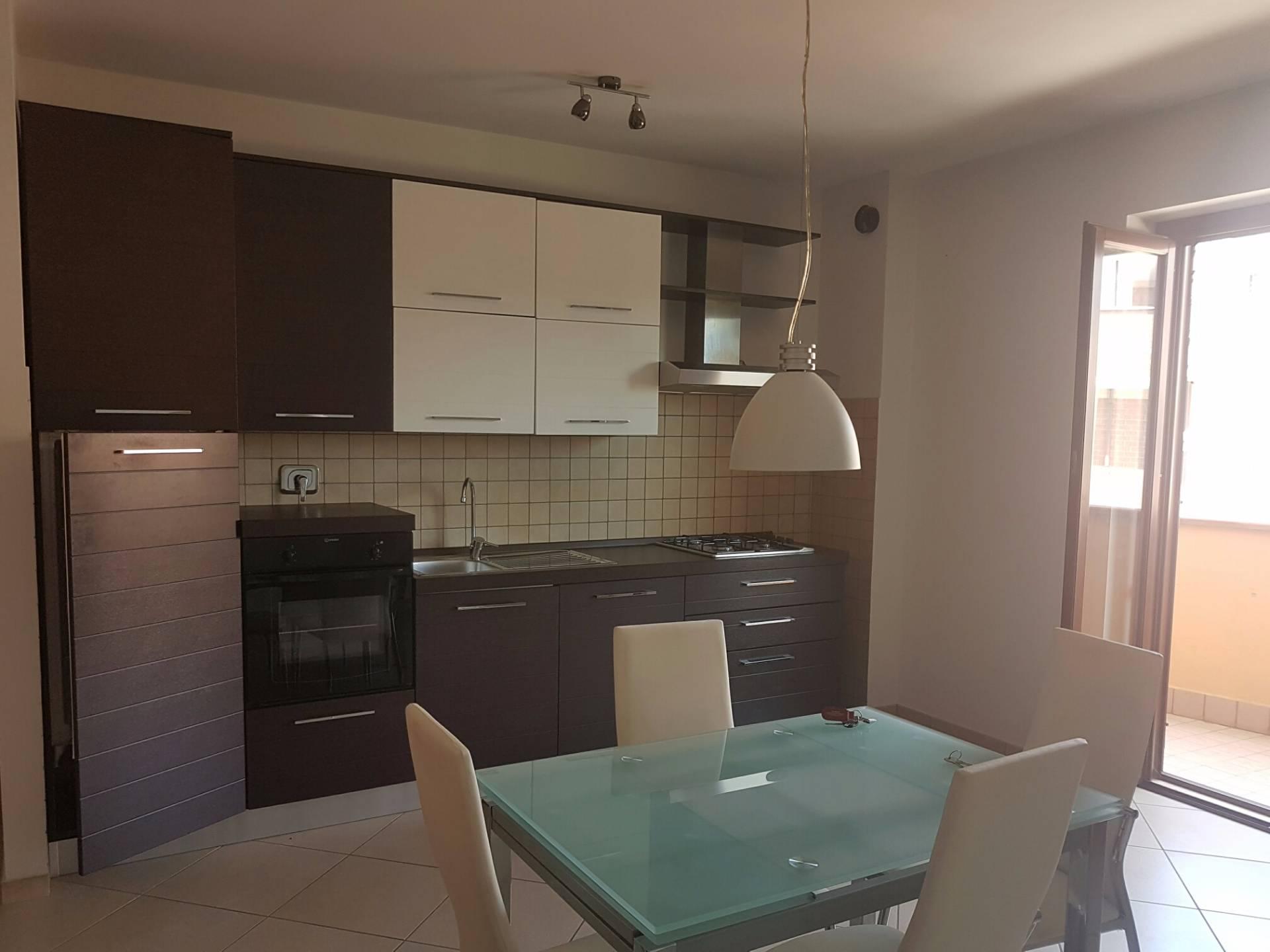 Appartamento in affitto a Tivoli, 2 locali, zona Località: Campolimpido, prezzo € 500 | CambioCasa.it