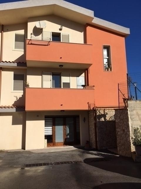 Villa in vendita a Siracusa, 4 locali, zona Zona: Belvedere, Trattative riservate   CambioCasa.it