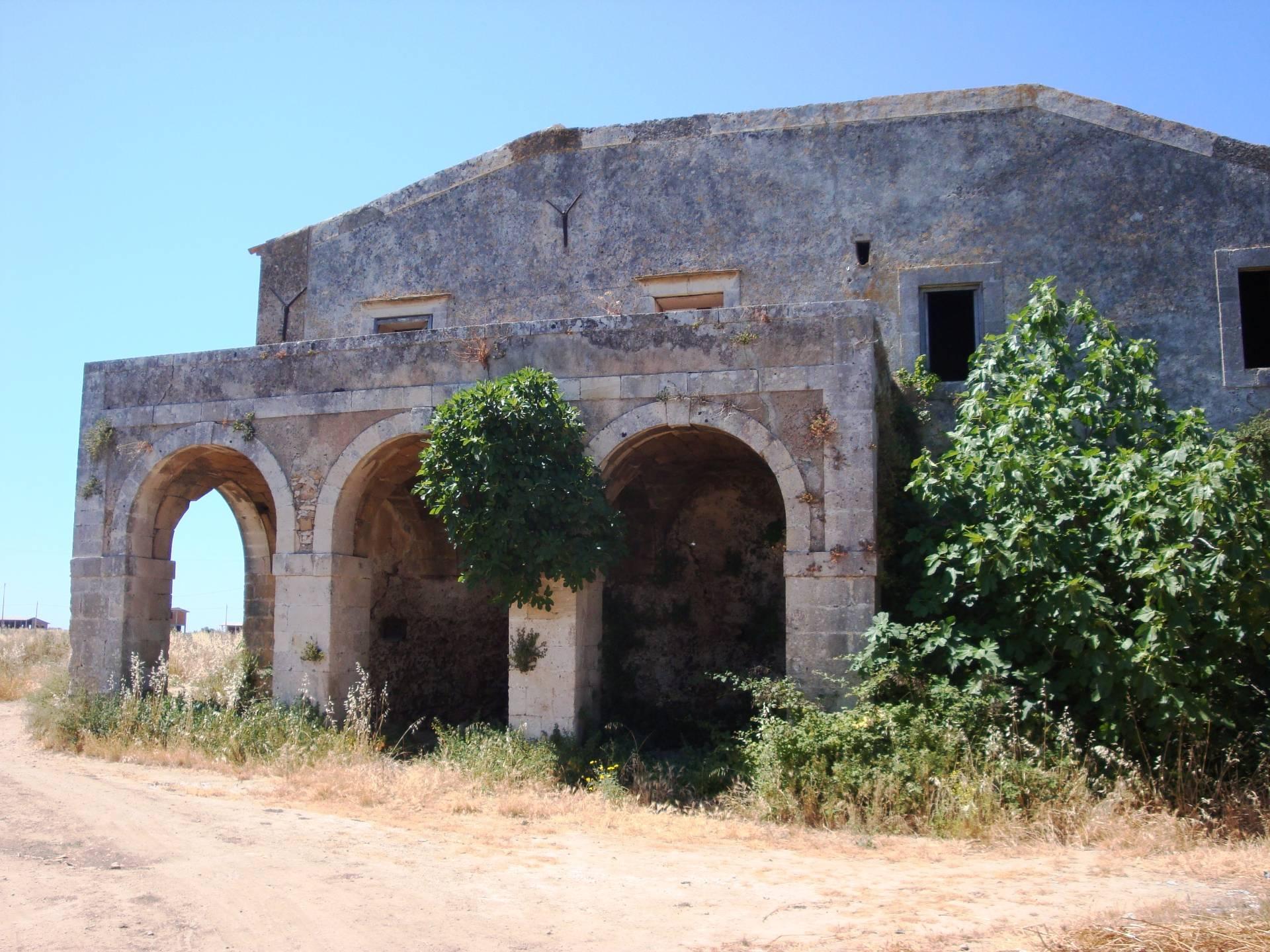Rustico / Casale in vendita a Siracusa, 9999 locali, zona Località: Plemmirio, Trattative riservate | CambioCasa.it