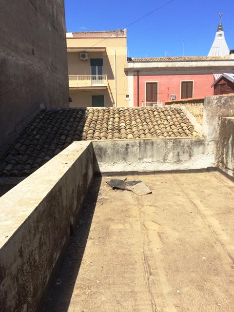 Soluzione Indipendente in vendita a Siracusa, 3 locali, zona Zona: Borgata, prezzo € 60.000 | CambioCasa.it