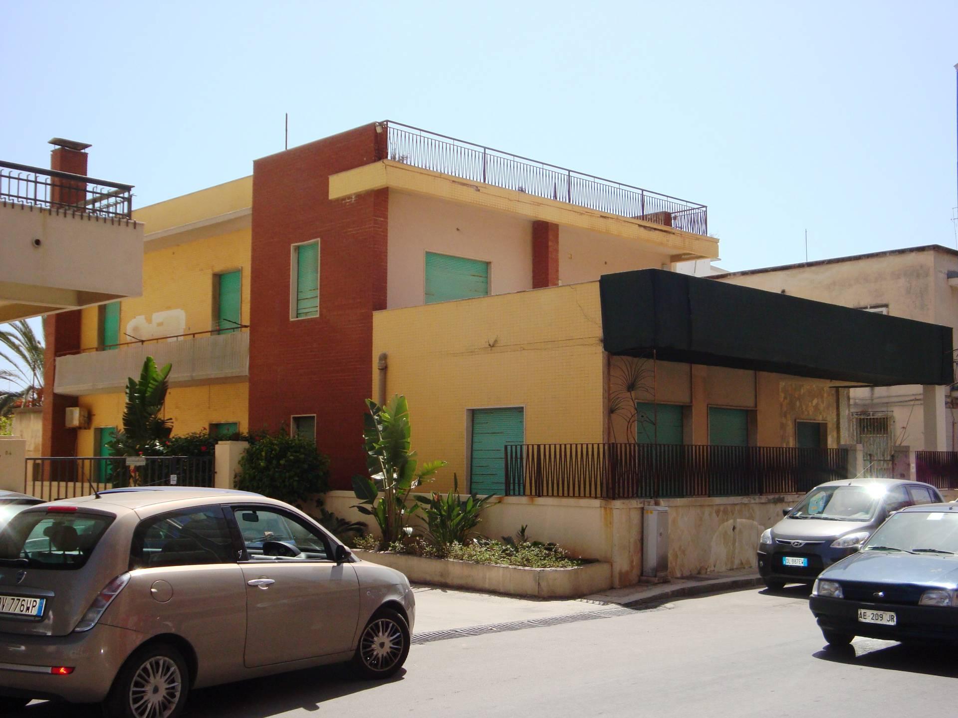 Villa in vendita a Siracusa, 9 locali, zona Zona: Grottasanta, prezzo € 360.000   CambioCasa.it