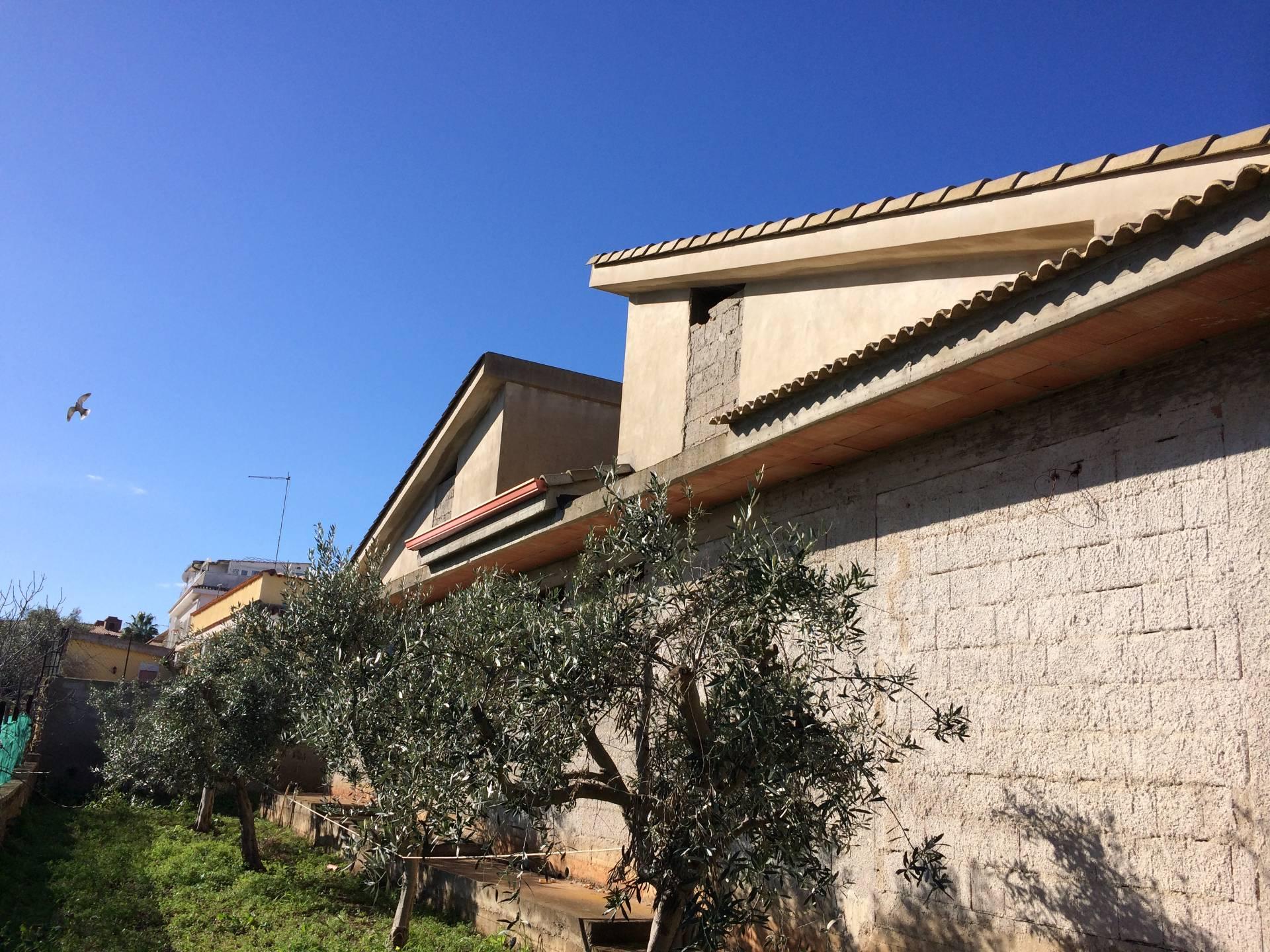 Villa in vendita a Siracusa, 5 locali, zona Località: Pizzuta, prezzo € 178.000   CambioCasa.it