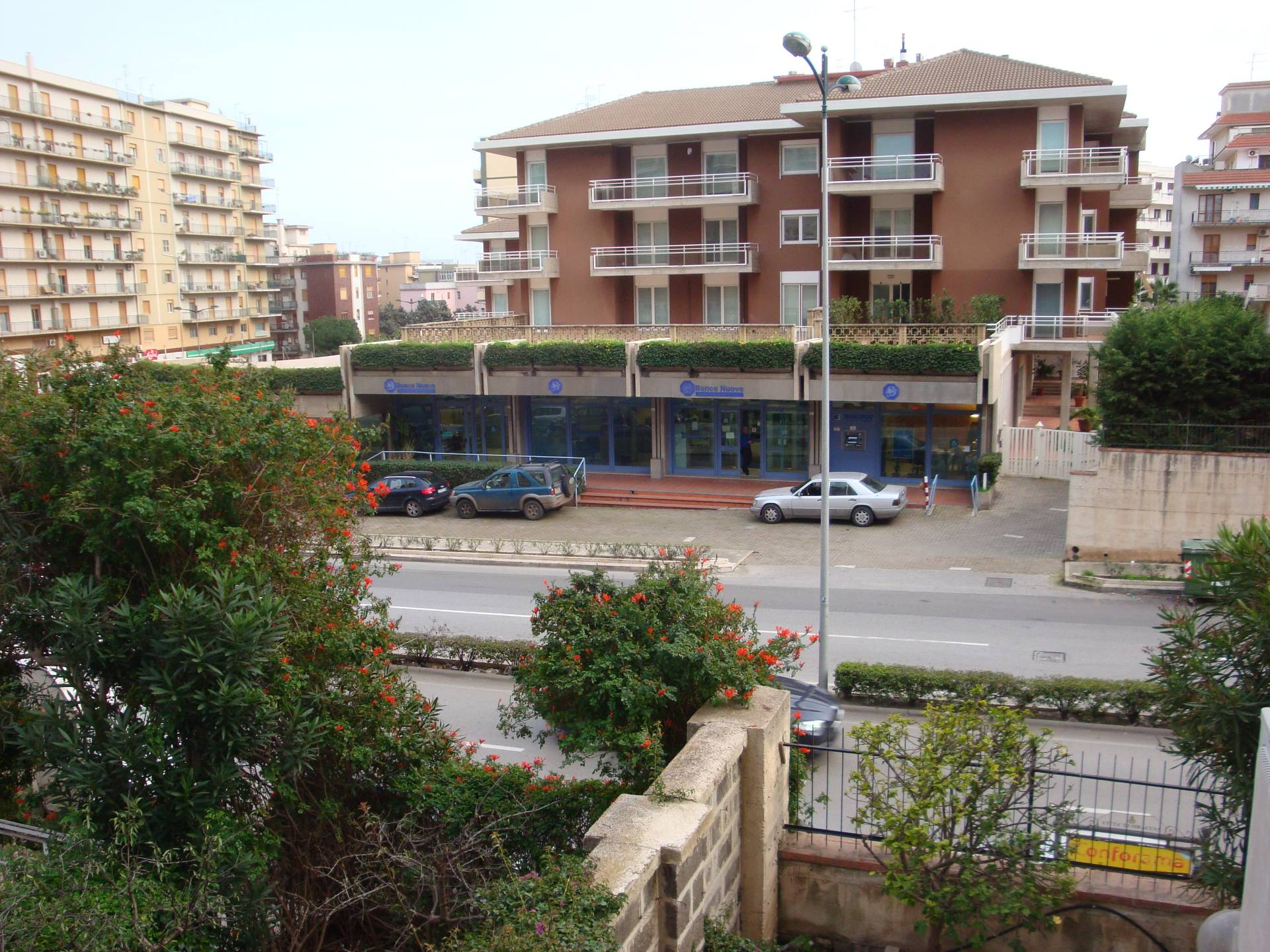 Appartamento in vendita a Siracusa, 4 locali, zona Località: Teracati, prezzo € 135.000 | CambioCasa.it