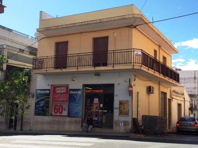 Appartamento in vendita a Solarino, 3 locali, prezzo € 55.000   CambioCasa.it