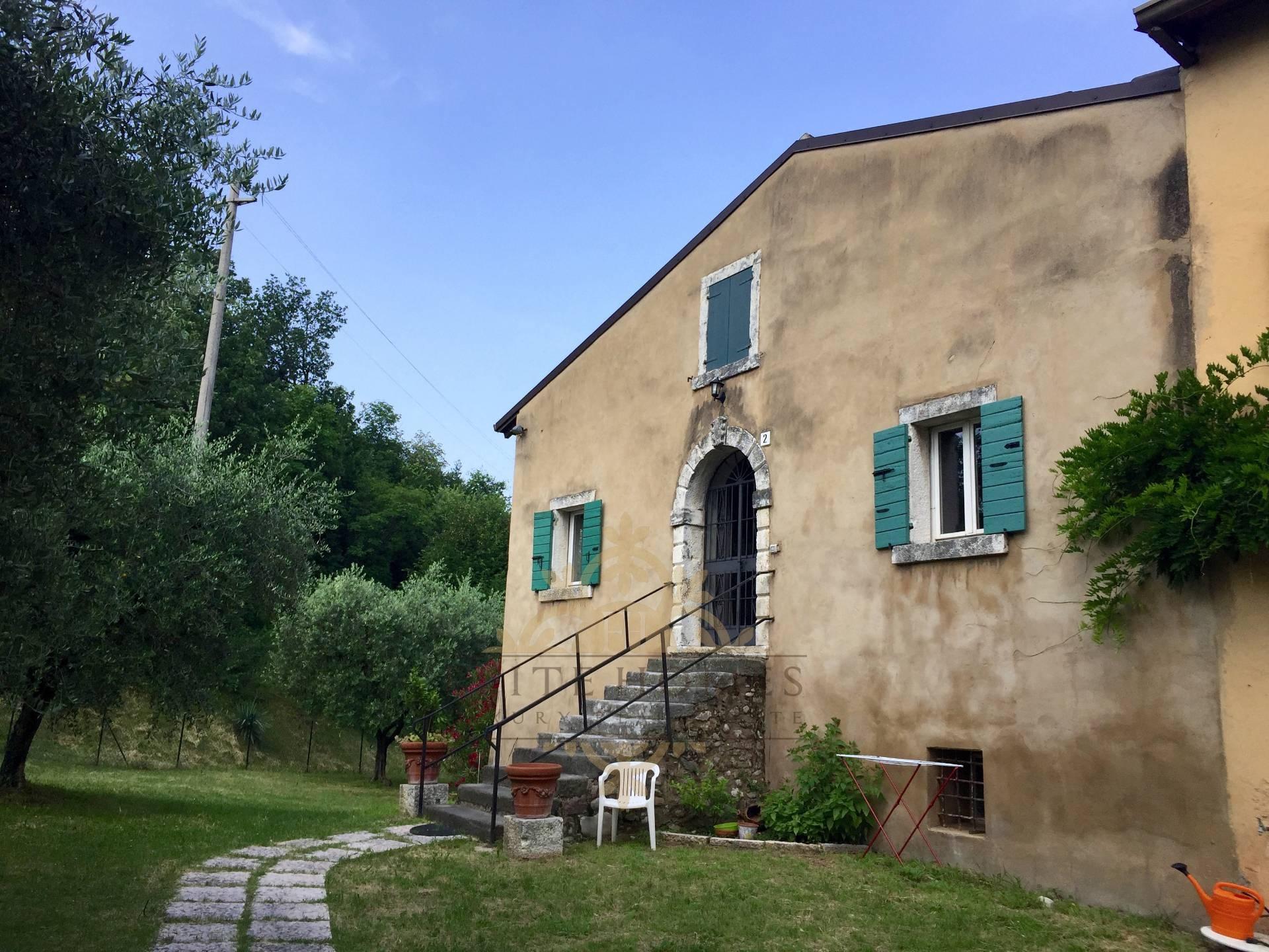 Rustico / Casale in affitto a Lazise, 7 locali, prezzo € 1.800 | CambioCasa.it