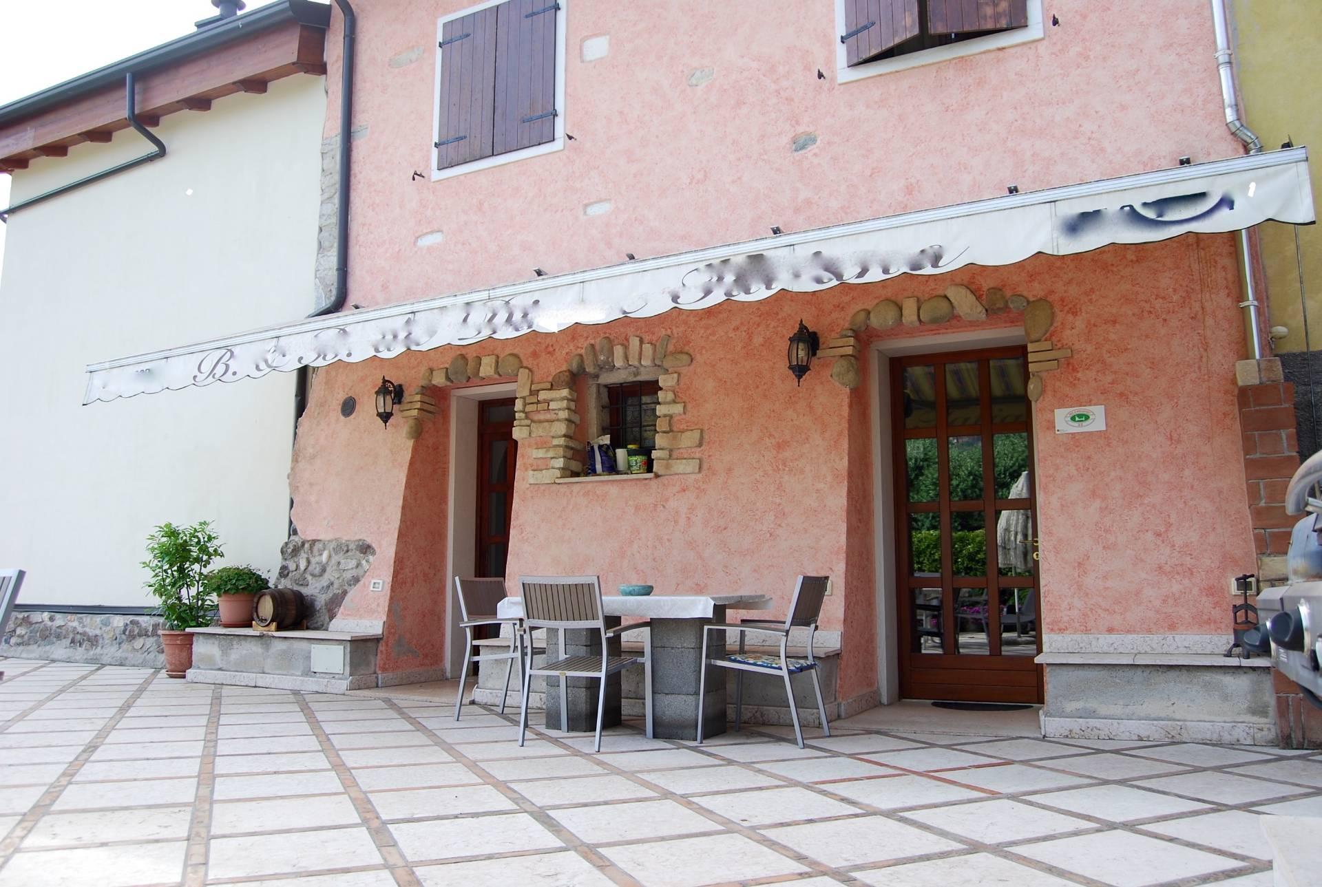 Rustico / Casale in vendita a Cavaion Veronese, 15 locali, Trattative riservate | CambioCasa.it
