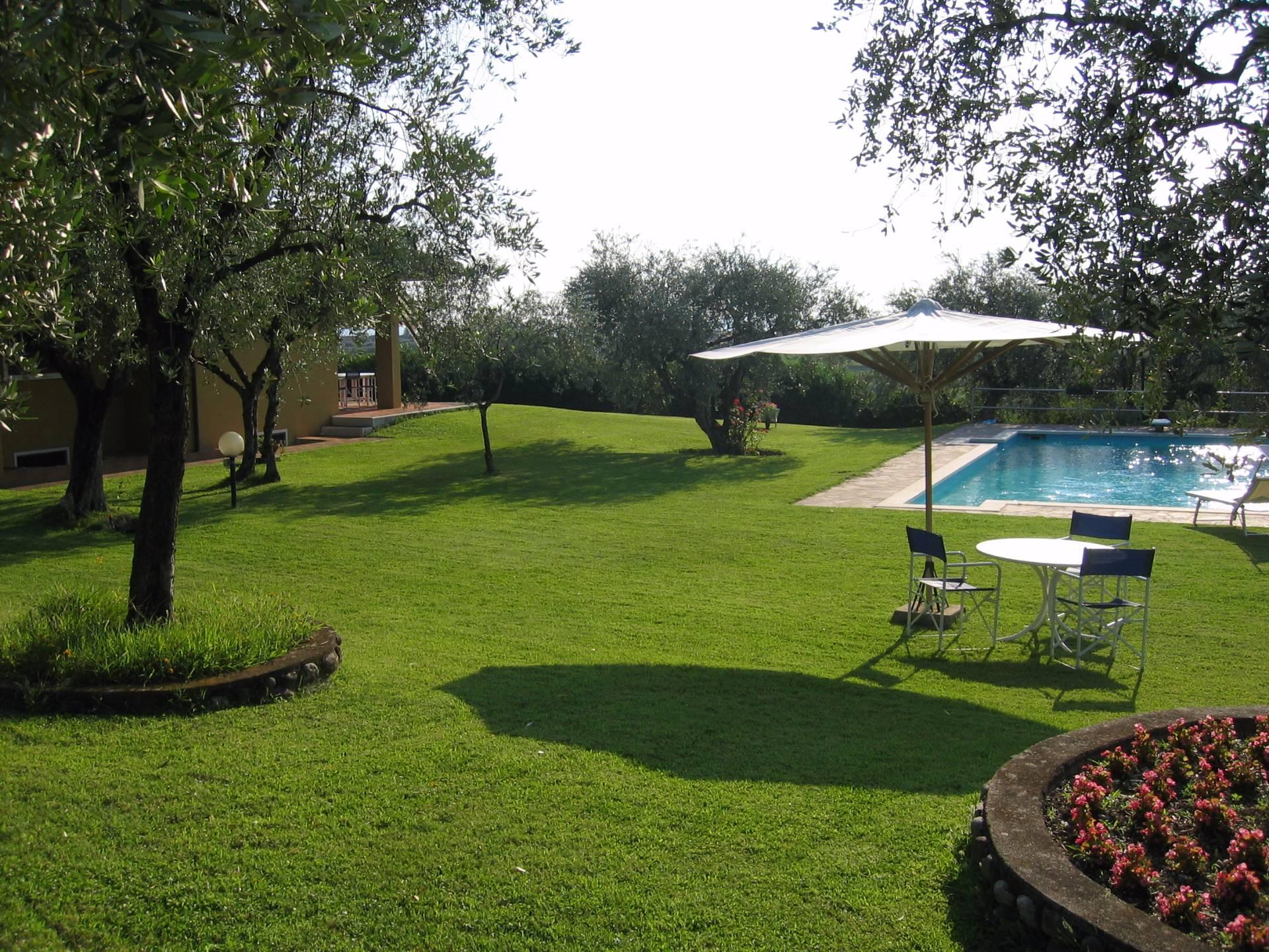 Villa in affitto a Bardolino, 6 locali, prezzo € 1.800 | CambioCasa.it