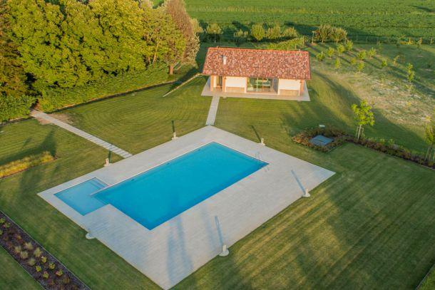 Rustico / Casale in vendita a Vigasio, 12 locali, Trattative riservate | CambioCasa.it