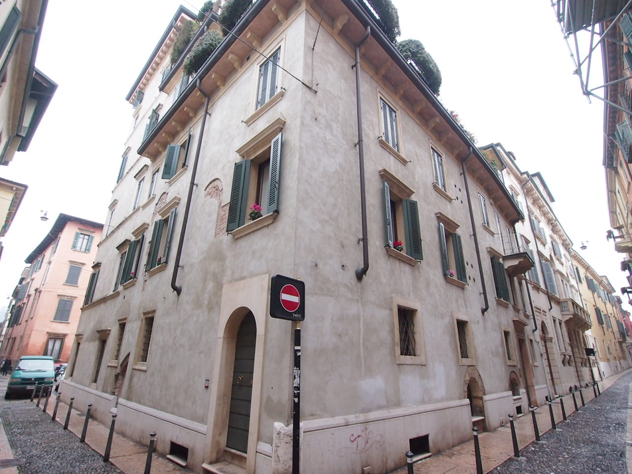 Appartamento in affitto a Verona, 3 locali, zona Località: Centrostorico, prezzo € 850 | CambioCasa.it