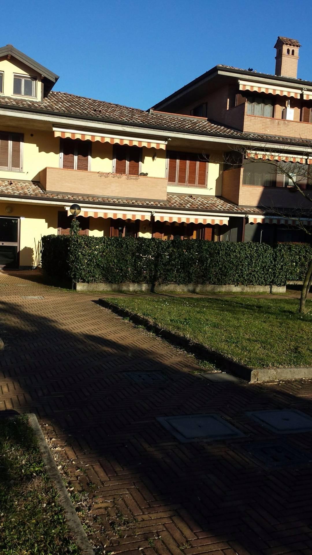 Appartamento in vendita a Giussago, 2 locali, prezzo € 100.000   CambioCasa.it