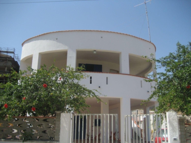 Appartamento in affitto a Alcamo, 4 locali, prezzo € 750 | CambioCasa.it