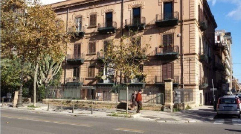 Ufficio / Studio in affitto a Palermo, 9999 locali, prezzo € 490.000   CambioCasa.it