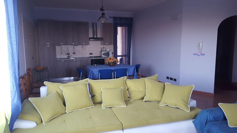 Appartamento in affitto a Castellammare del Golfo, 3 locali, prezzo € 600 | CambioCasa.it