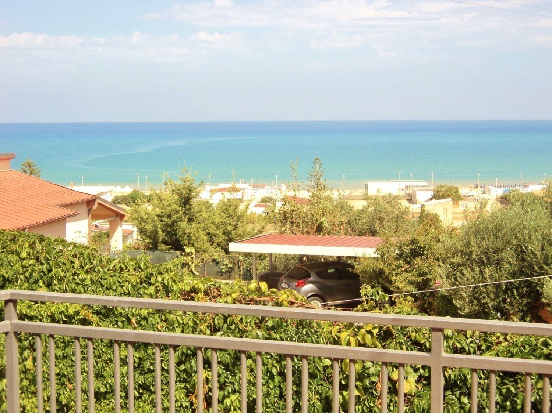 Appartamento in affitto a Castellammare del Golfo, 4 locali, prezzo € 3.400 | CambioCasa.it