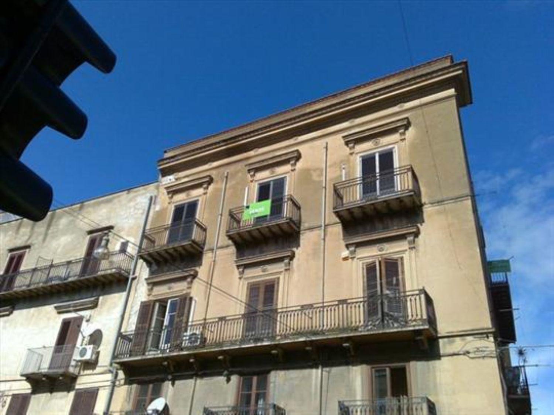Appartamento in vendita a Alcamo, 9 locali, prezzo € 250.000 | CambioCasa.it