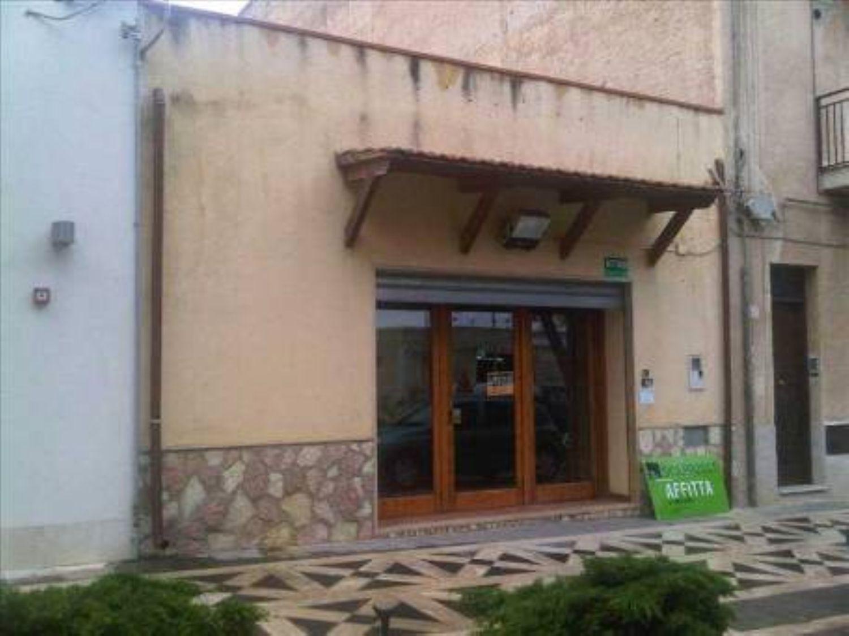 Ufficio / Studio in affitto a Alcamo, 9999 locali, prezzo € 500 | CambioCasa.it