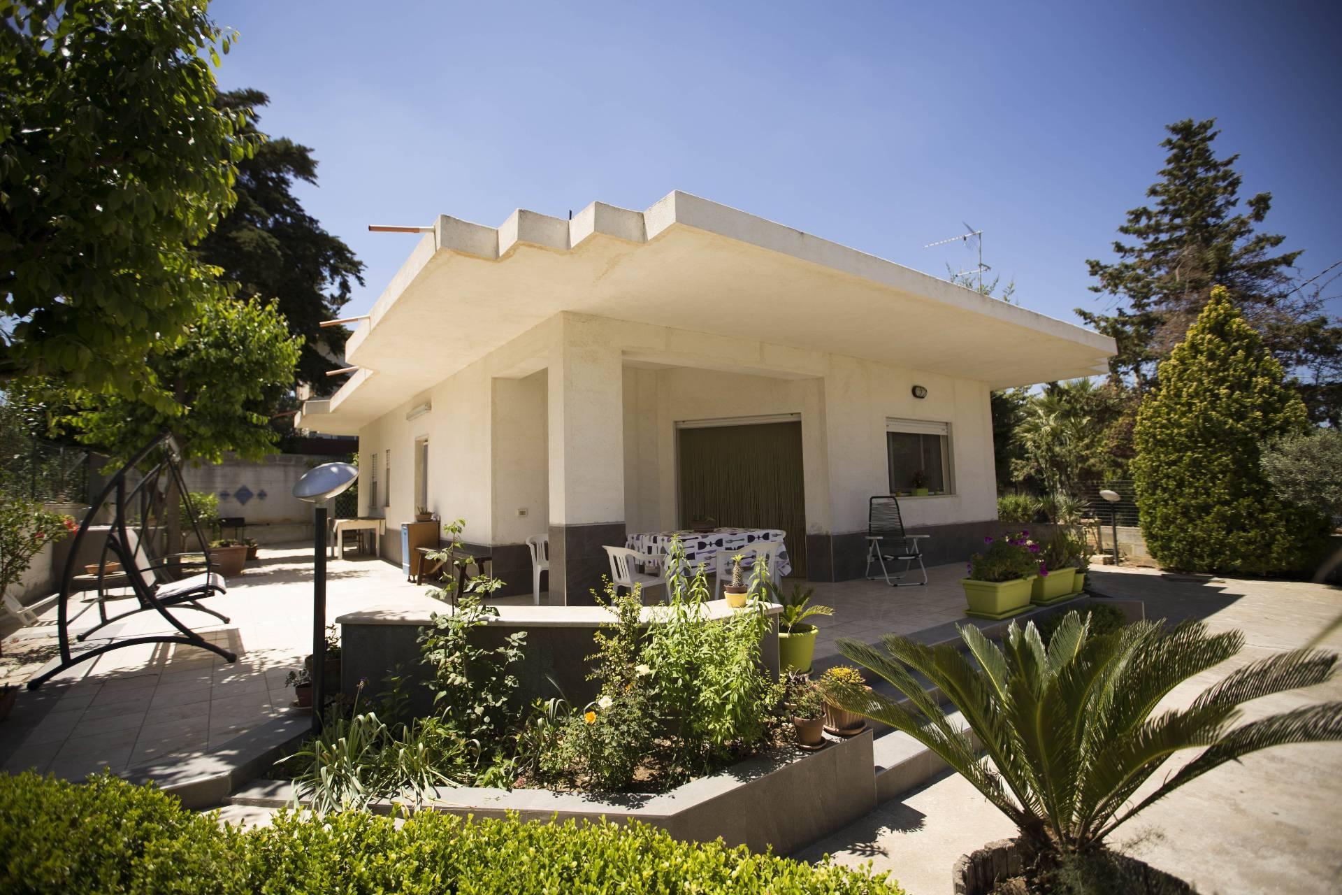 Villa in affitto a Alcamo, 4 locali, prezzo € 3.800 | CambioCasa.it