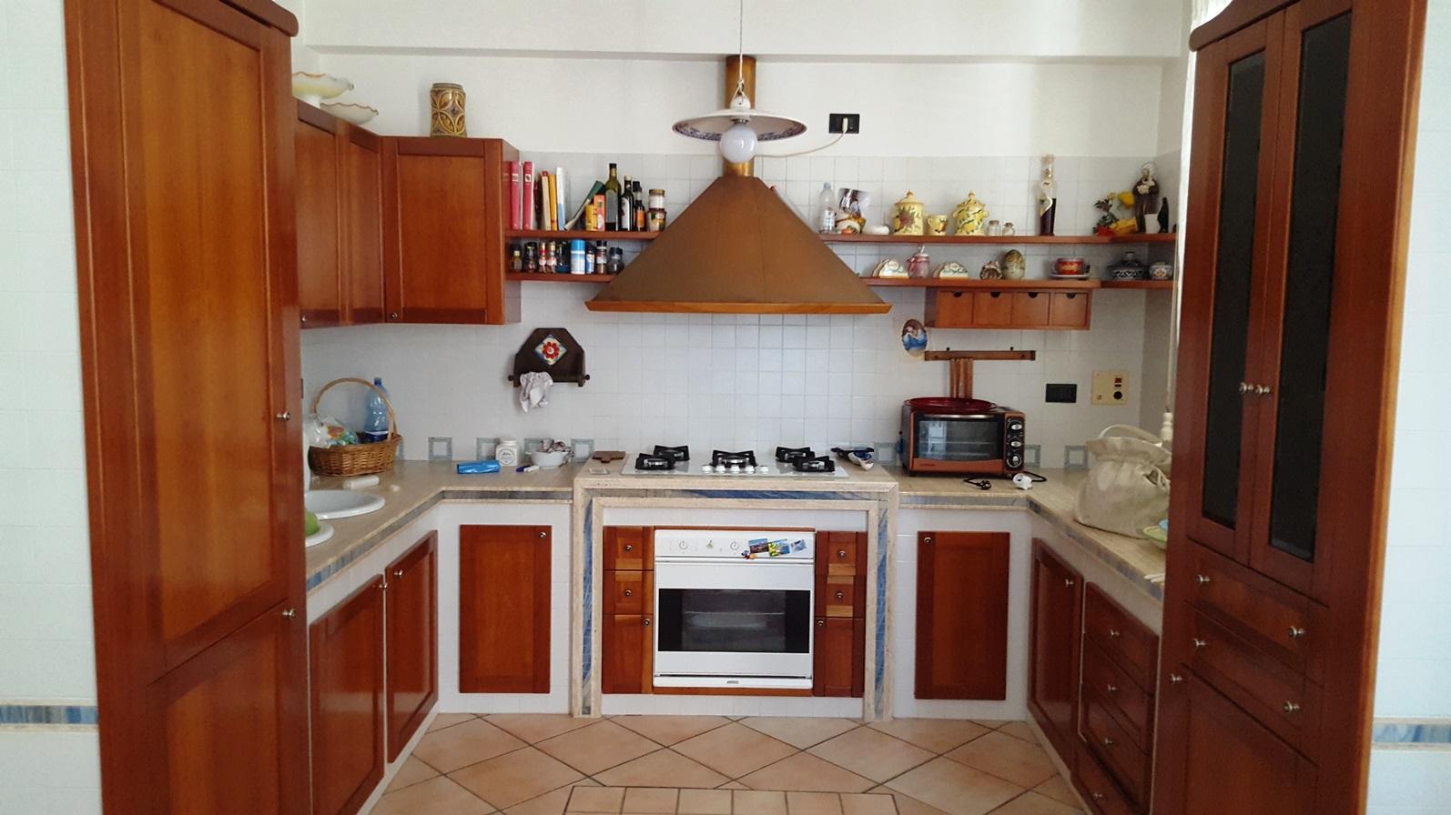 Appartamento in affitto a Alcamo, 5 locali, prezzo € 370 | CambioCasa.it