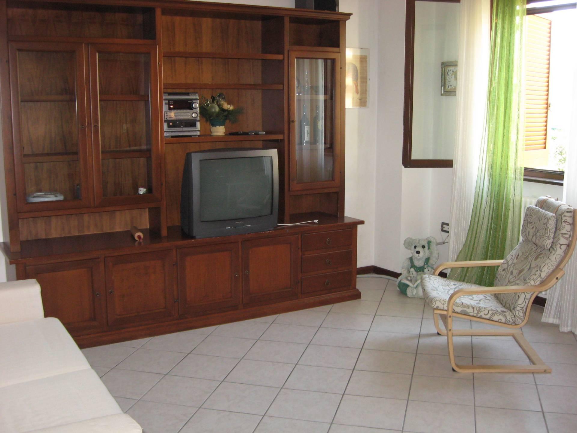 Appartamento in vendita a Fabriano, 2 locali, prezzo € 115.000   CambioCasa.it