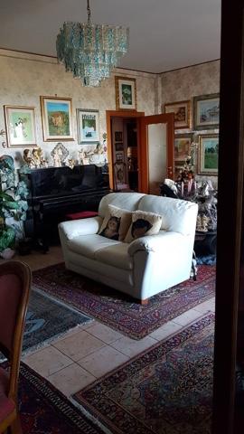 Appartamento in affitto a Porto Recanati, 5 locali, zona Località: QuartiereSud-S.aMariainPotenza, prezzo € 450 | CambioCasa.it