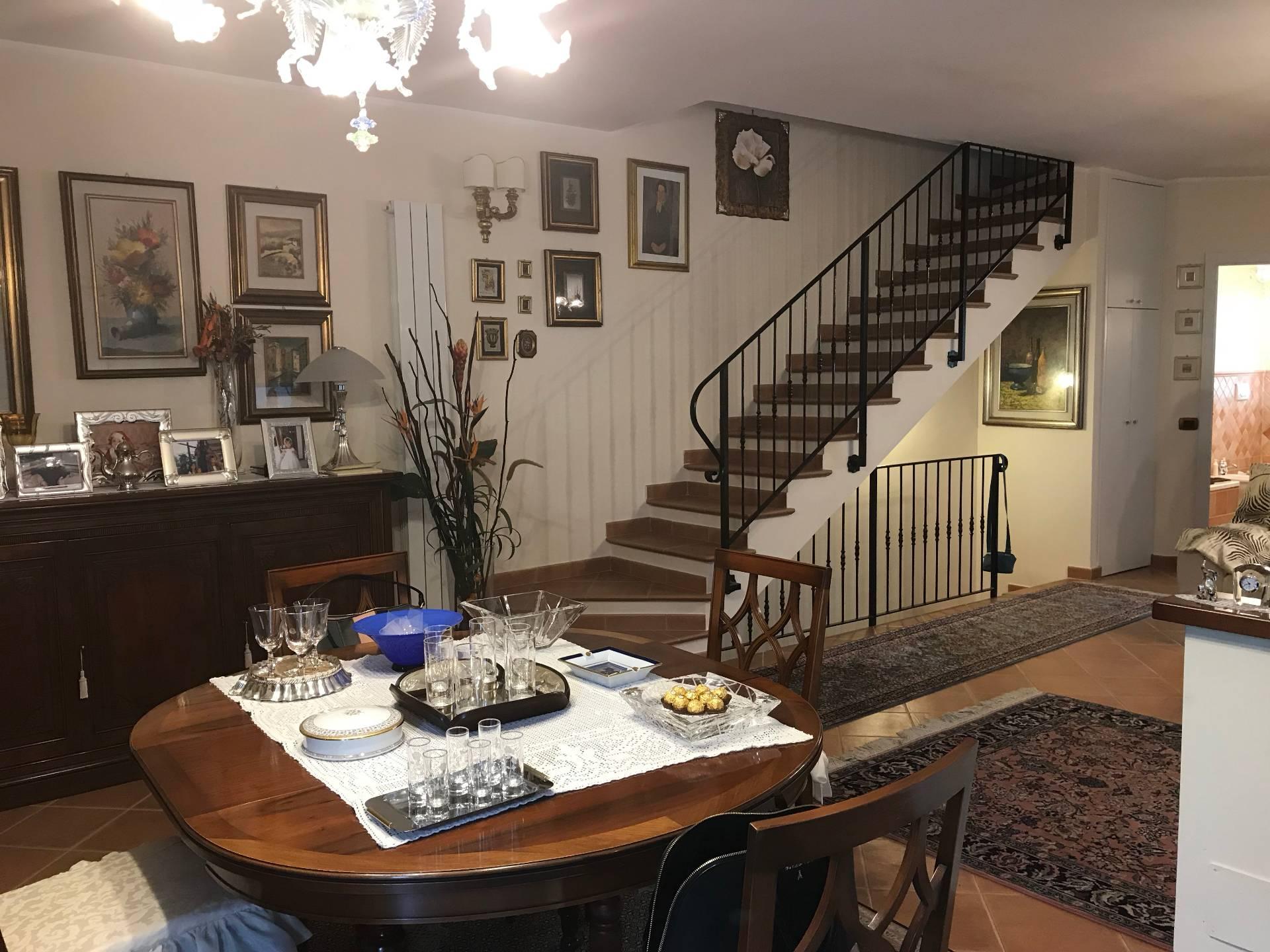 Villa a Schiera in affitto a Porto Recanati, 7 locali, zona Località: QuartiereOvest-Grotte-Montarice, Trattative riservate | CambioCasa.it