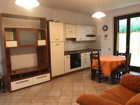 Appartamento in affitto a Loreto, 4 locali, prezzo € 600 | CambioCasa.it