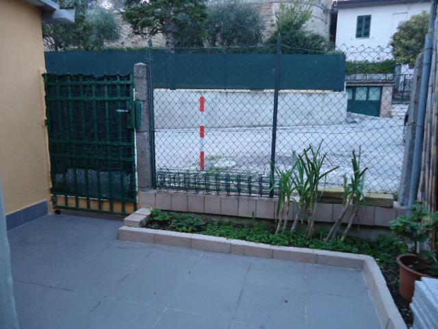 Soluzione Indipendente in vendita a Loreto, 5 locali, zona Località: laPianaeMontereale, prezzo € 105.000 | CambioCasa.it