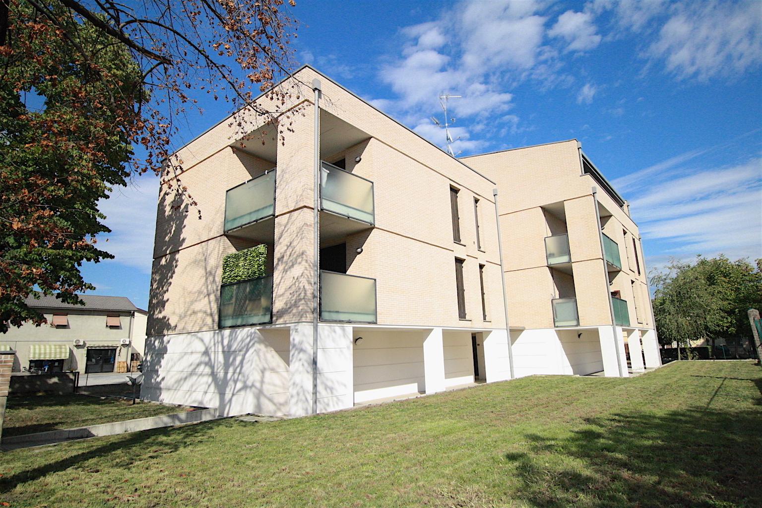 Appartamento in vendita a Sant'Ilario d'Enza, 3 locali, prezzo € 125.000 | CambioCasa.it