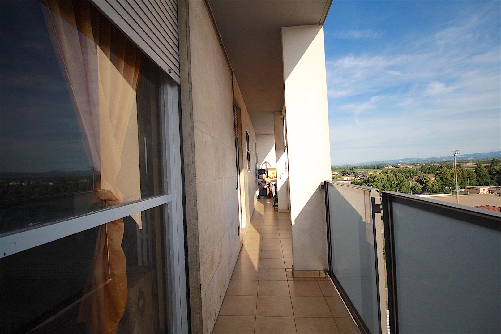 Appartamento in vendita a Sant'Ilario d'Enza, 6 locali, prezzo € 69.000 | CambioCasa.it