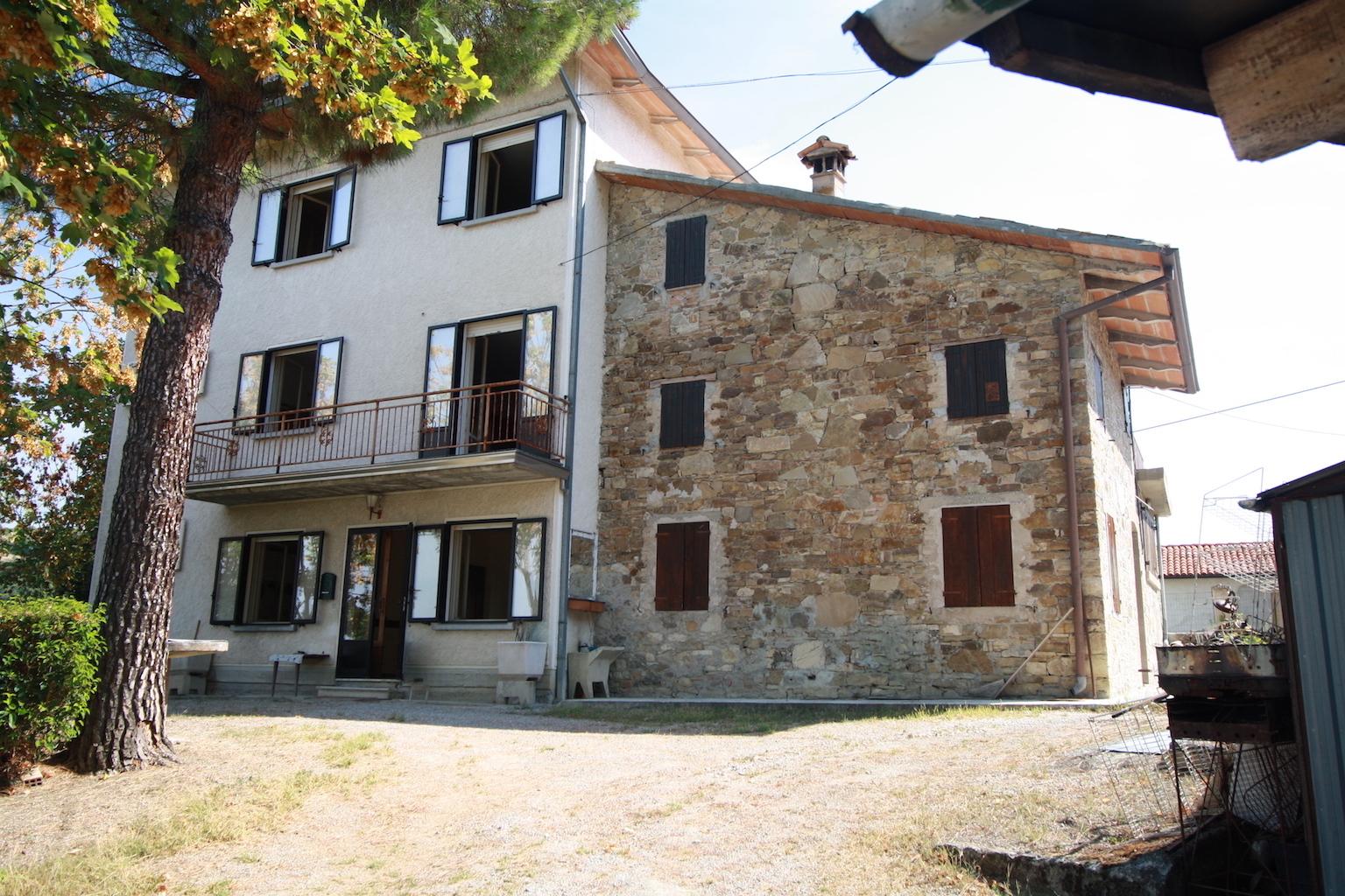 Soluzione Indipendente in vendita a Canossa, 8 locali, prezzo € 90.000 | CambioCasa.it