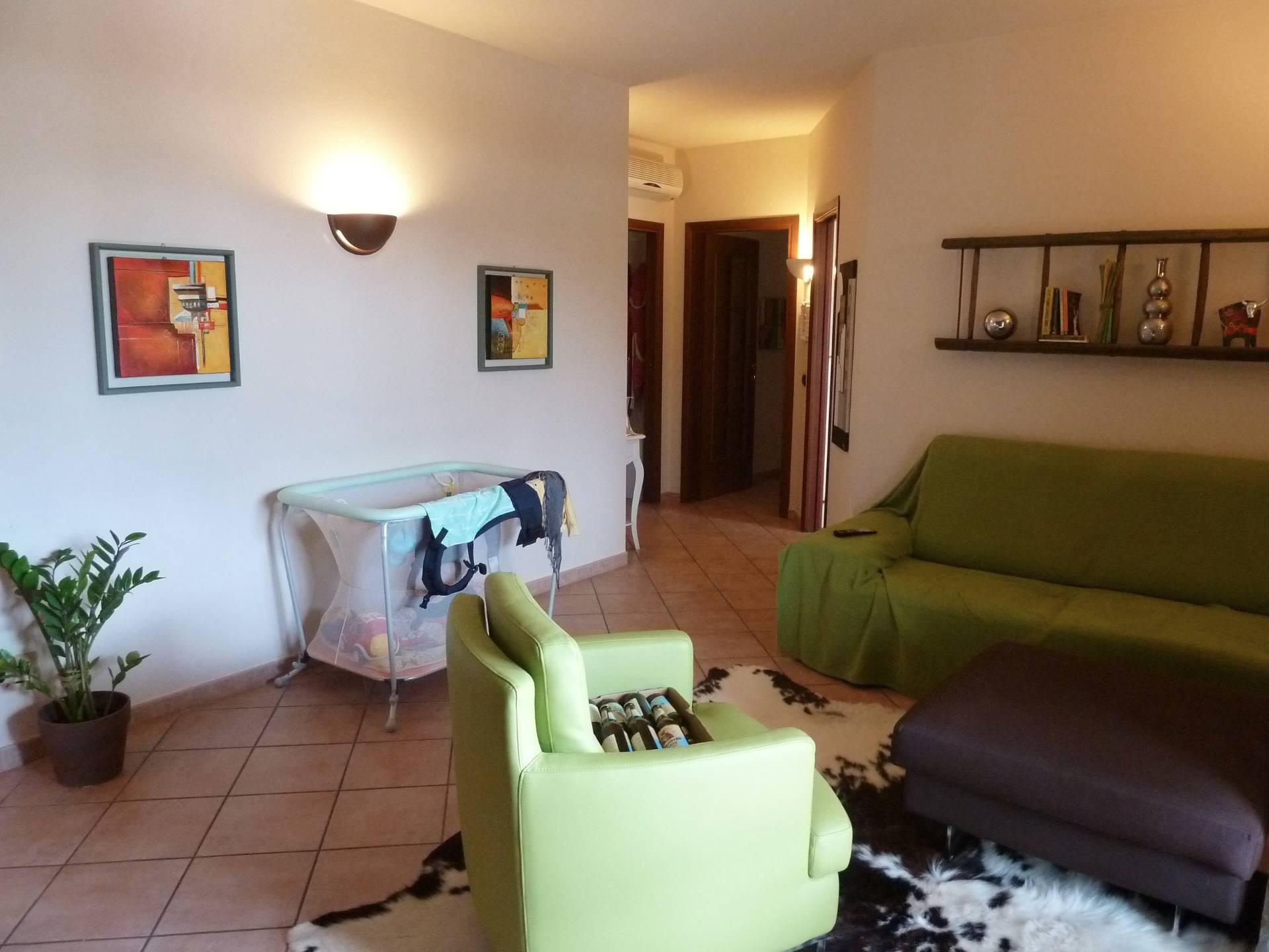 Appartamento in vendita a Sant'Ilario d'Enza, 4 locali, prezzo € 155.000 | CambioCasa.it