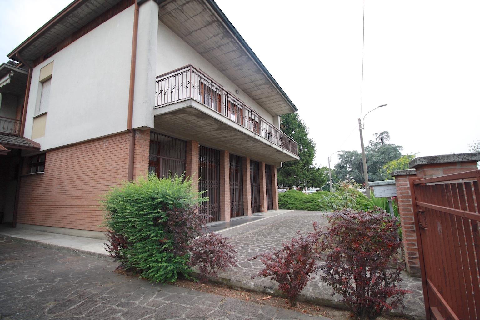 Attico / Mansarda in affitto a Sant'Ilario d'Enza, 7 locali, prezzo € 750 | CambioCasa.it
